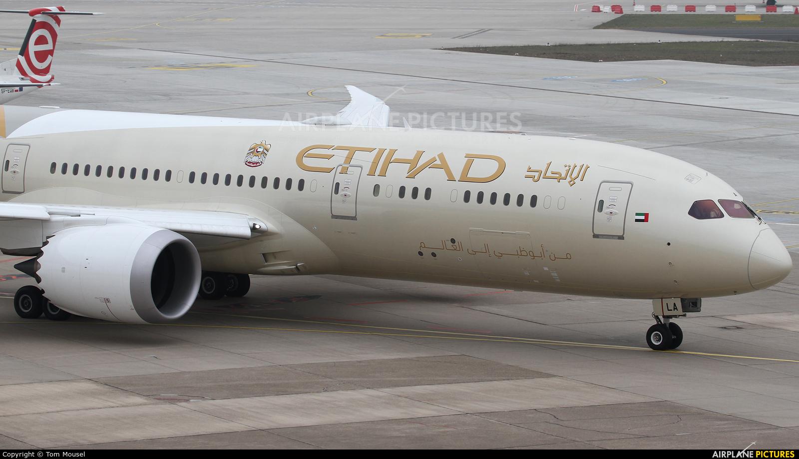 Etihad Airways A6-BLA aircraft at Düsseldorf