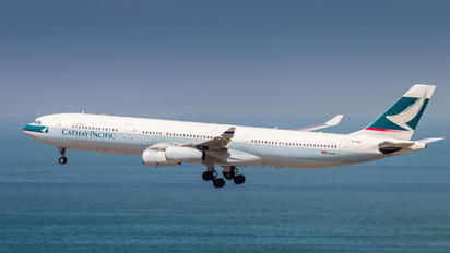 B-HXF - Cathay Pacific Airbus A340-300