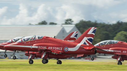 "XX323 - Royal Air Force ""Red Arrows"" British Aerospace Hawk T.1/ 1A"