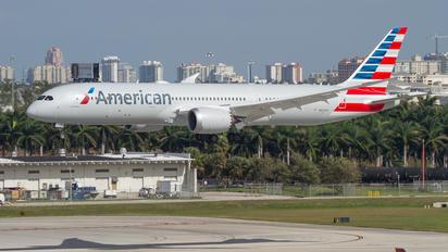 N823AN - American Airlines Boeing 787-9 Dreamliner