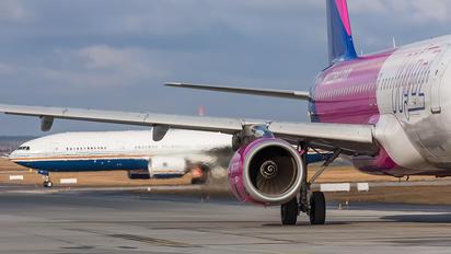 HA-LWB - Wizz Air Airbus A320