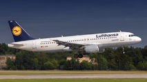 D-AIZD - Lufthansa Airbus A320 aircraft