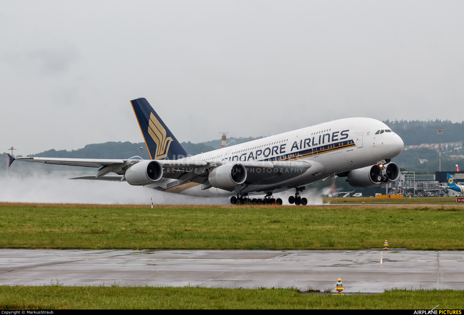 Singapore Airlines 9V-SKC aircraft at Zurich