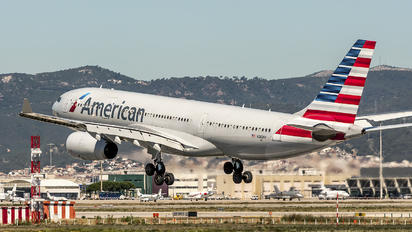N282AY - American Airlines Airbus A330-200