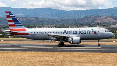 N119US - American Airlines Airbus A320