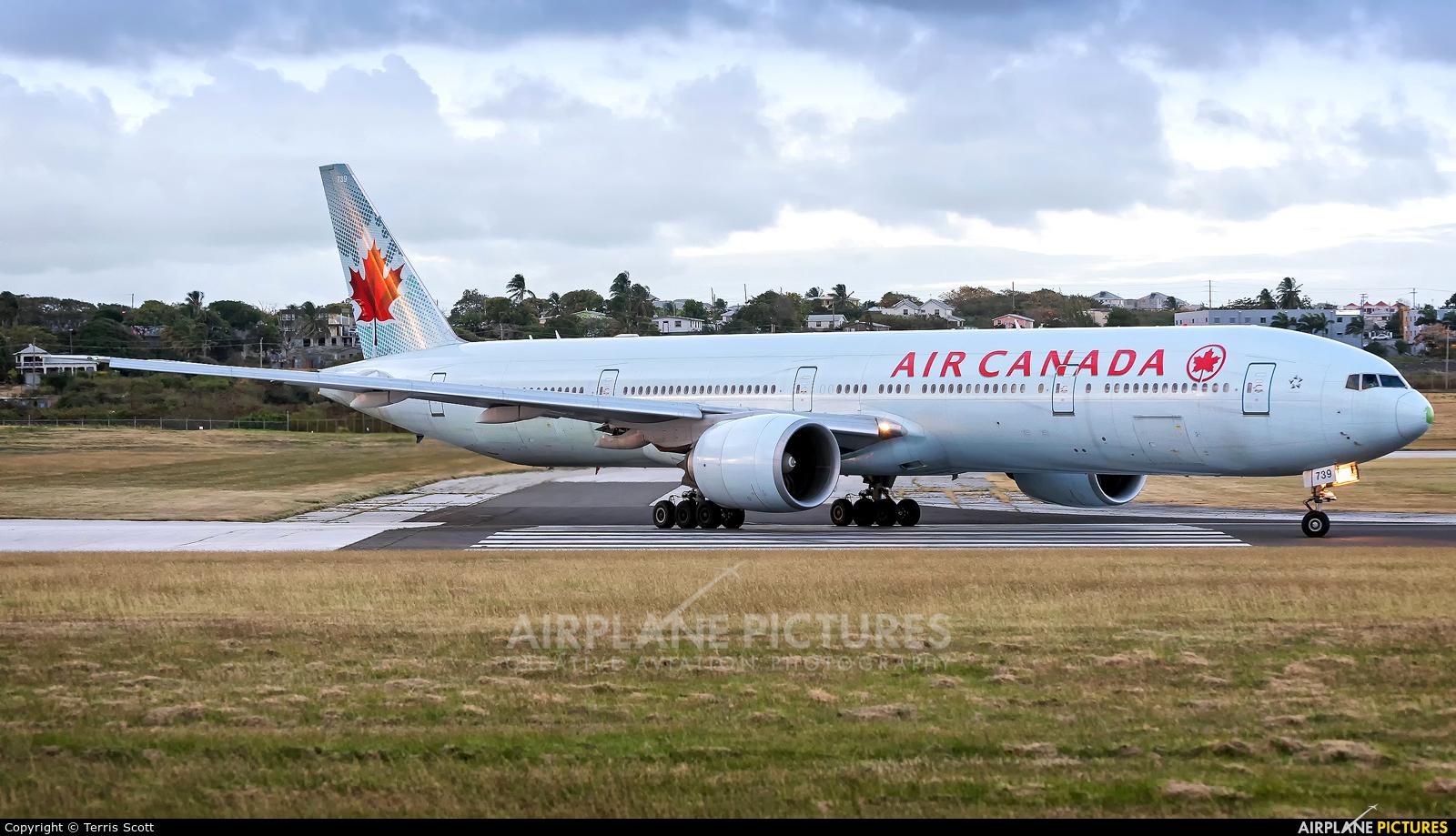 Air Canada C-FRAM aircraft at Bridgetown