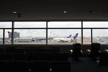 HZ-HM1 - Saudi Arabia - Government - Airport Overview - Apron