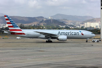 N756AM - American Airlines Boeing 777-200ER
