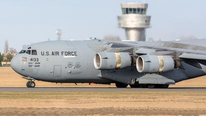 04-4133 - USA - Army Boeing C-17A Globemaster III