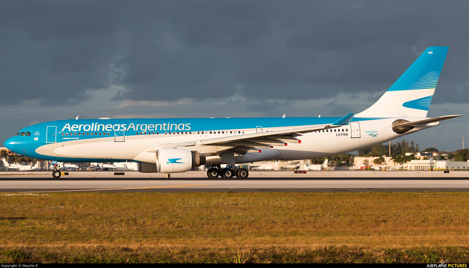 Aerolineas Argentinas LV-FNK aircraft at Miami Intl