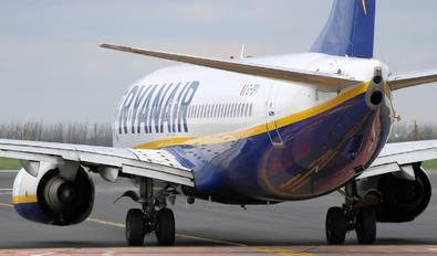 EI-DPY - Ryanair Boeing 737-800