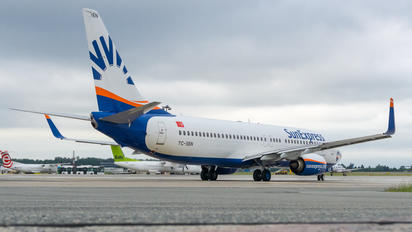 TC-SEN - SunExpress Boeing 737-800
