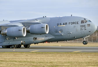 90166 - USA - Air Force Boeing C-17A Globemaster III