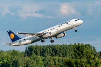 D-AIRO - Lufthansa Airbus A321