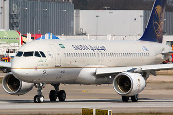 D-AUBO - Saudi Arabian Airlines Airbus A320