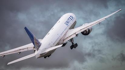 N78002 - United Airlines Boeing 777-200ER