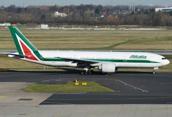 EI-ISA - Alitalia Boeing 777-200ER