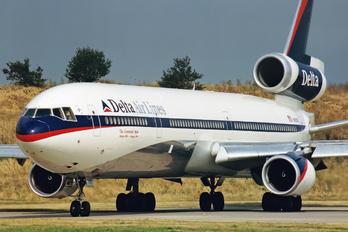 N812DE - Delta Air Lines McDonnell Douglas MD-11