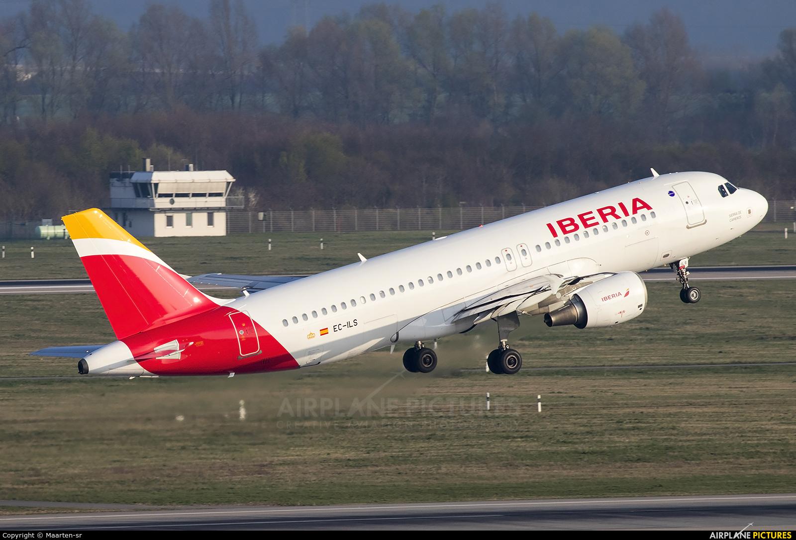 Iberia EC-ILS aircraft at Düsseldorf