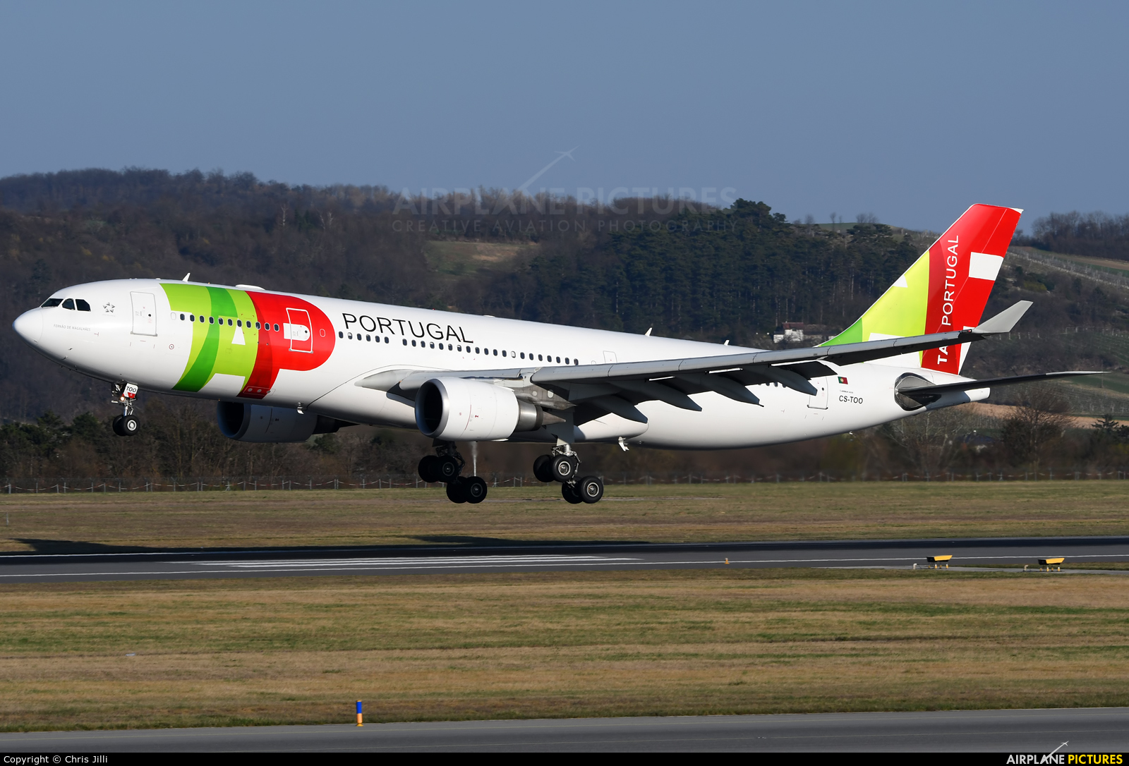 TAP Portugal CS-TOO aircraft at Vienna - Schwechat
