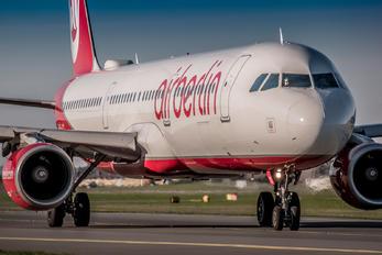 OE-LCI - Niki Airbus A321