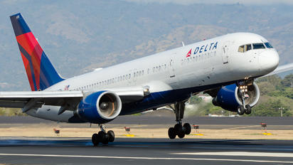 N693DL - Delta Air Lines Boeing 757-200