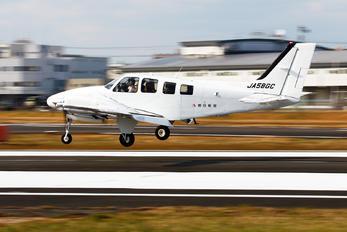 JA58GC - Asahi Airlines Beechcraft 58 Baron