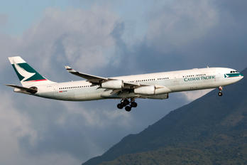B-HXJ - Cathay Pacific Airbus A340-300