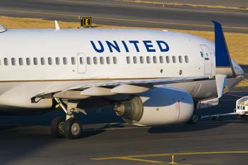 N24729 - United Airlines Boeing 737-700