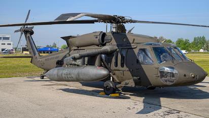20718 - USA - Air Force Sikorsky UH-60M Black Hawk