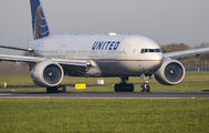 N27015 - United Airlines Boeing 777-200 aircraft