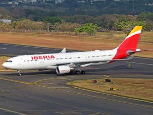 EC-MNK - Iberia Airbus A330-200 Prestige