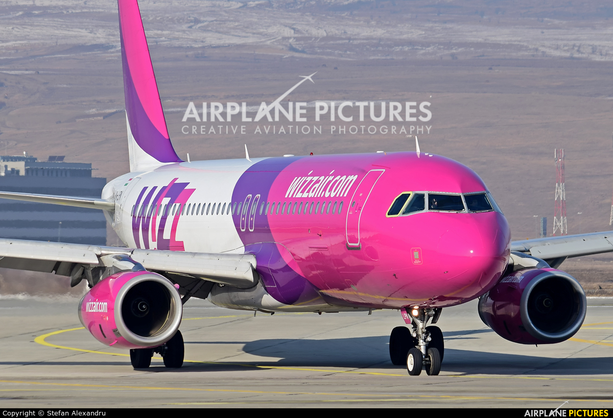 Wizz Air HA-LPN aircraft at Cluj Napoca - Someseni