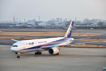 JA705A - ANA - All Nippon Airways Boeing 777-200