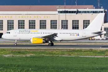 EC-LQL - Vueling Airlines Airbus A320