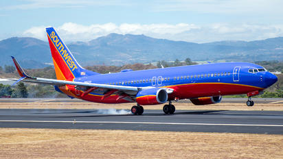 N8621A - Southwest Airlines Boeing 737-800