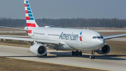 N280AY - American Airlines Airbus A330-200