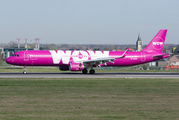 Rare visit of WOW A321 to Brussels title=