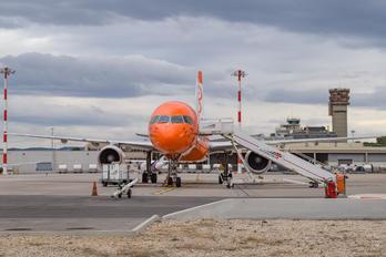 OE-LFB - TNT Boeing 757-200F