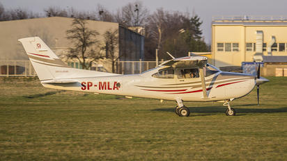 SP-MLA - Private Cessna 182T Skylane
