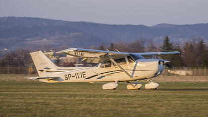 SP-WIE - Private Cessna 172 Skyhawk (all models except RG)