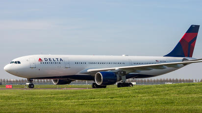 N857NW - Delta Air Lines Airbus A330-200