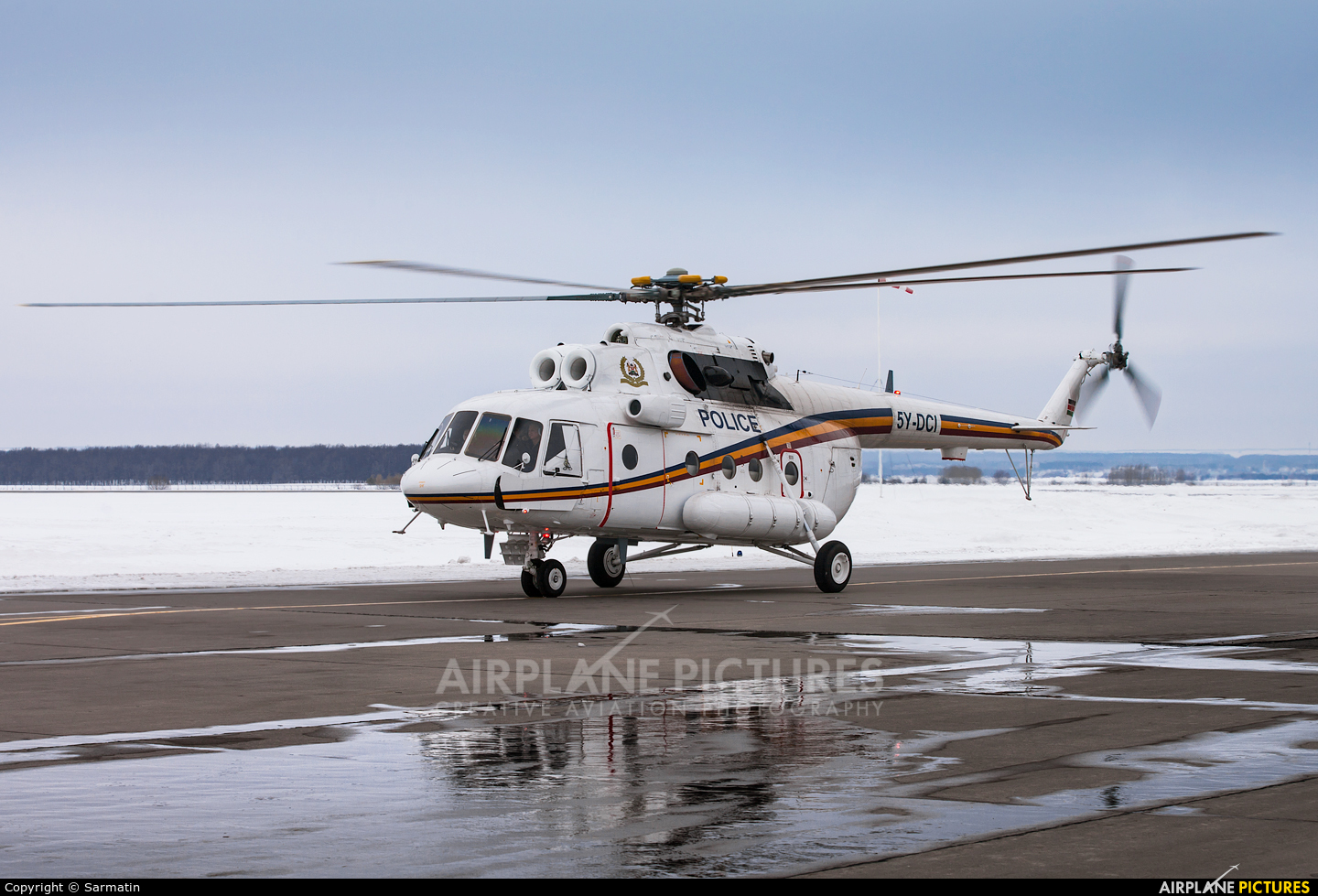 Kenya - Police Services 5Y-DCI aircraft at Kazan