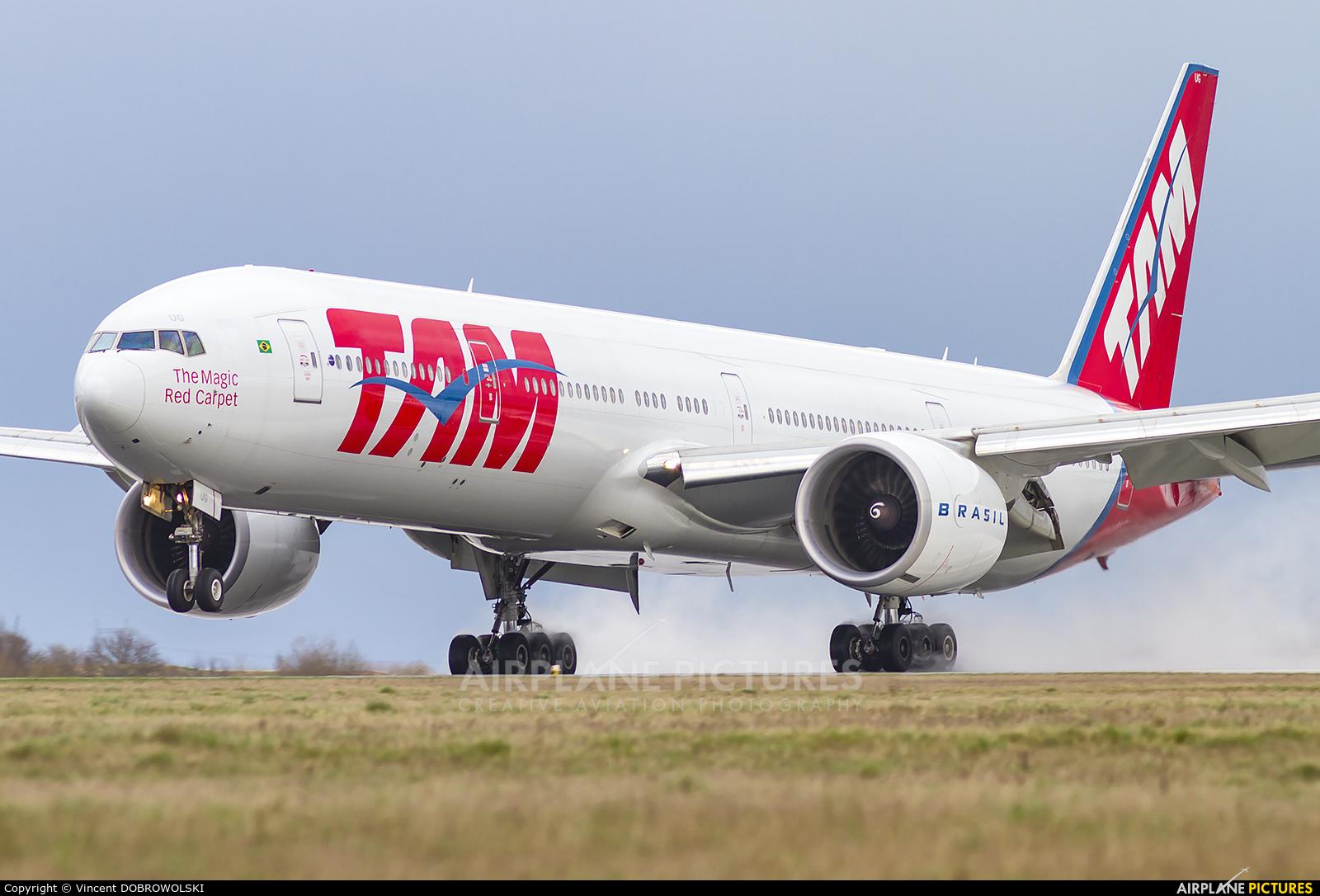 TAM PT-MUG aircraft at Paris - Charles de Gaulle