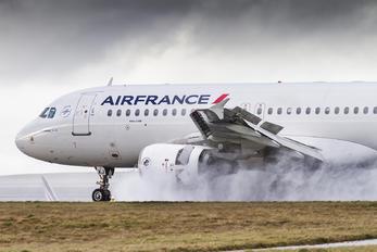 F-GKXJ - Air France Airbus A320