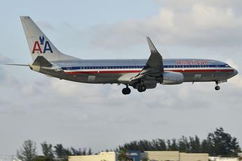 N917AN - American Airlines Boeing 737-800