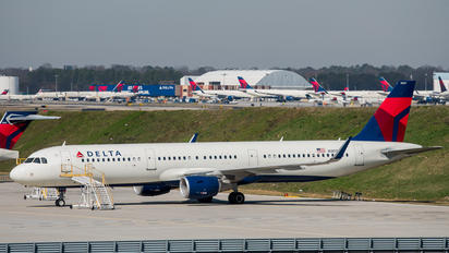 N307DX - Delta Air Lines Airbus A321