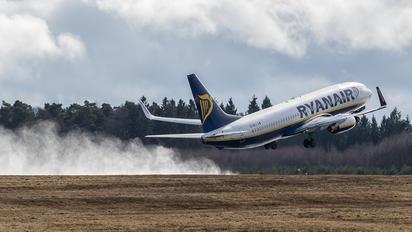 EI-EKJ - Ryanair Boeing 737-800
