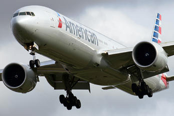N730AN - American Airlines Boeing 777-300ER