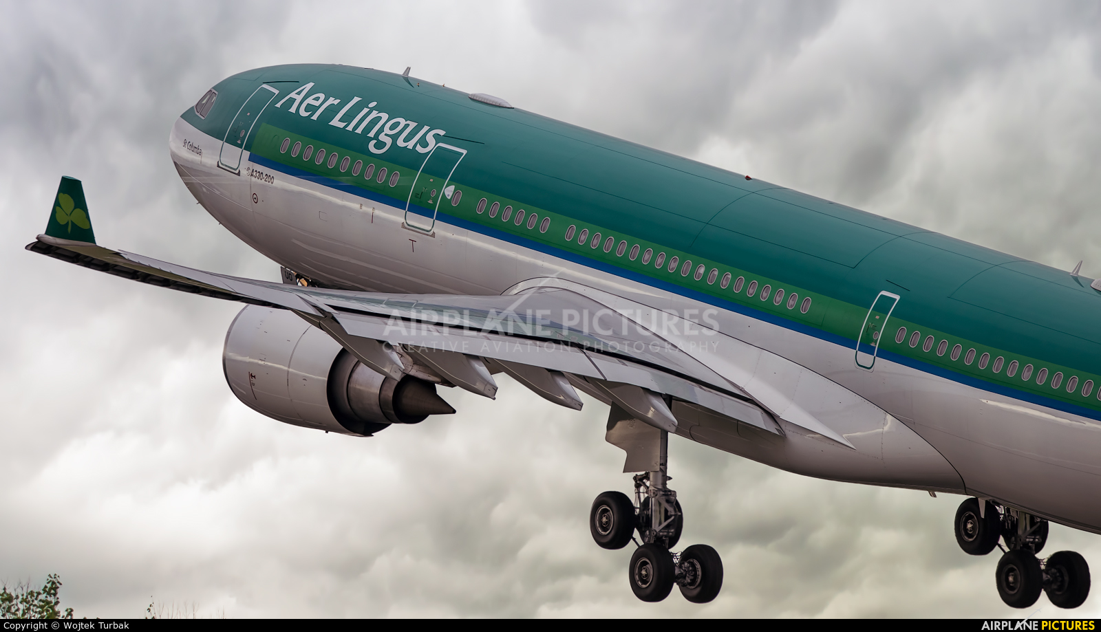 Aer Lingus EI-DUO aircraft at Dublin